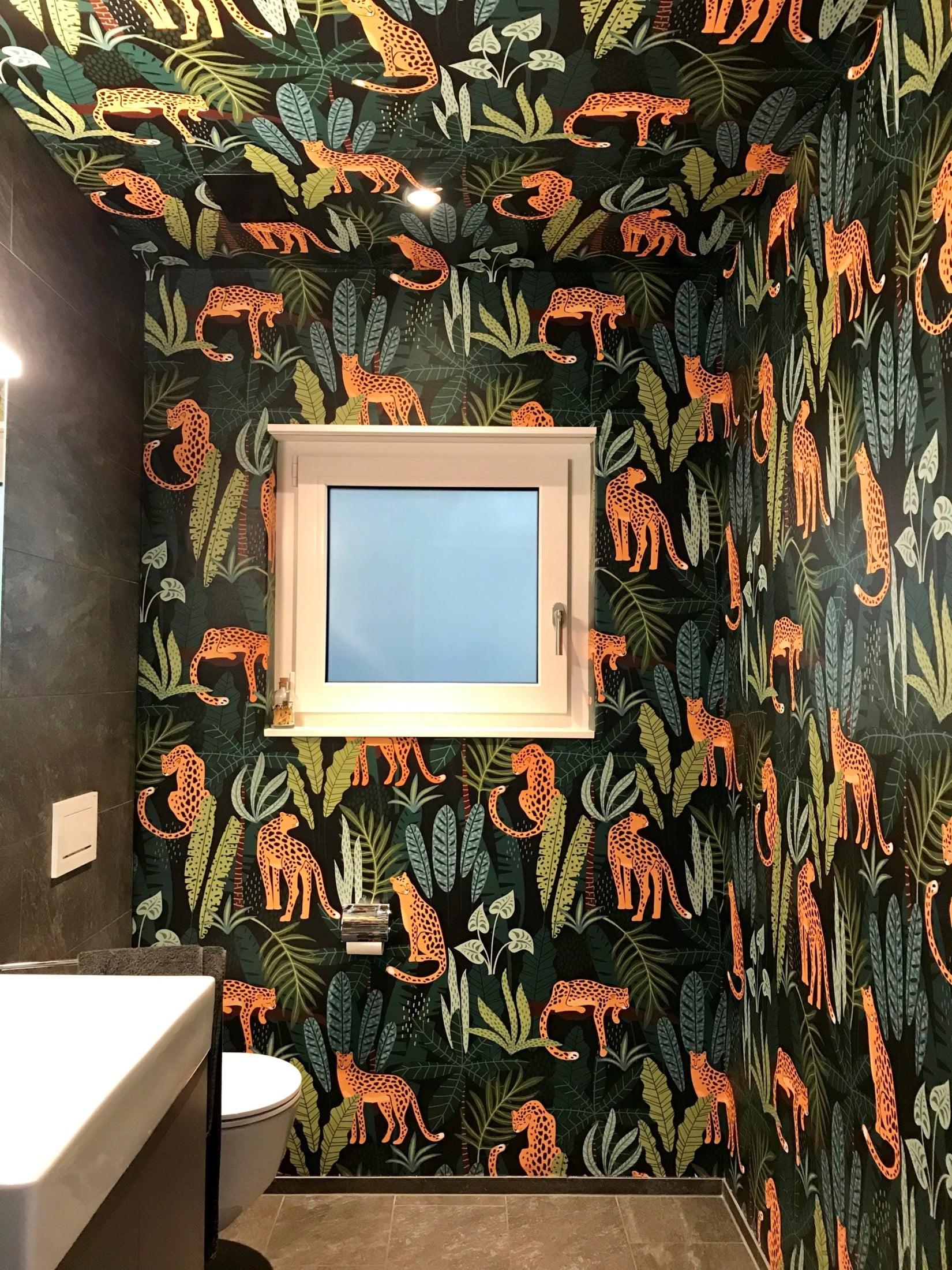 SIHL in einer Gästetoilette – Außergewöhnliche Gestaltung sorgt für optische Größe